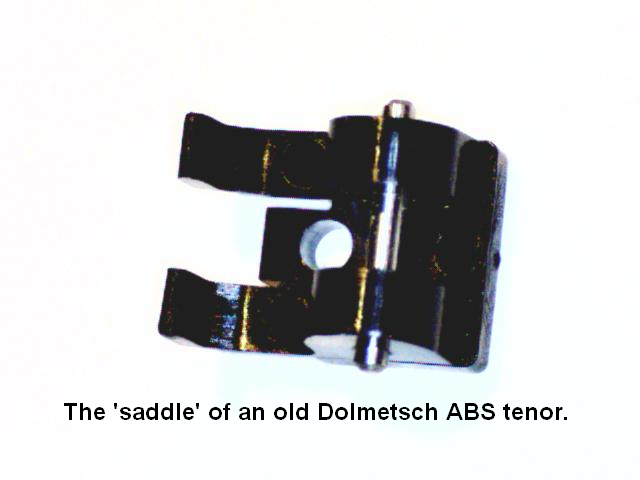 Old Dolmetsch ABS plastic tenor - saddle.